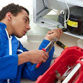 profissional-refrigeracao-e-ar-condicionado
